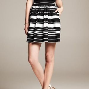 NWT Banana Republic black white stripe full skirt